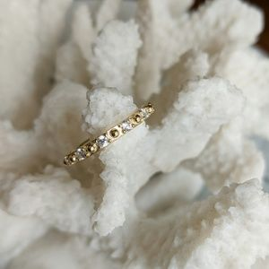 Jewelry - Gold ring with diamonds all arround